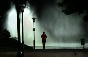 correr_noche_lluvia